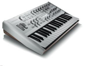 Access Virus TI2 POLAR synthesizer