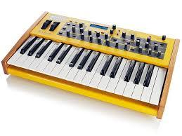 synthesizer Dave Smith Instruments Mopho Keyboard