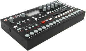 synthesizer Elektron Analog Four