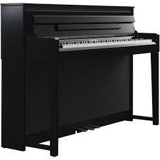 yamaha CLP-585 piano