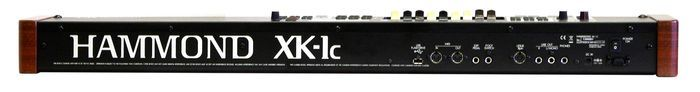 Hammond XK1C keyboard synthesizer achterkant