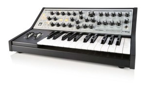 Moog Sub Phatty review synthesizer synth