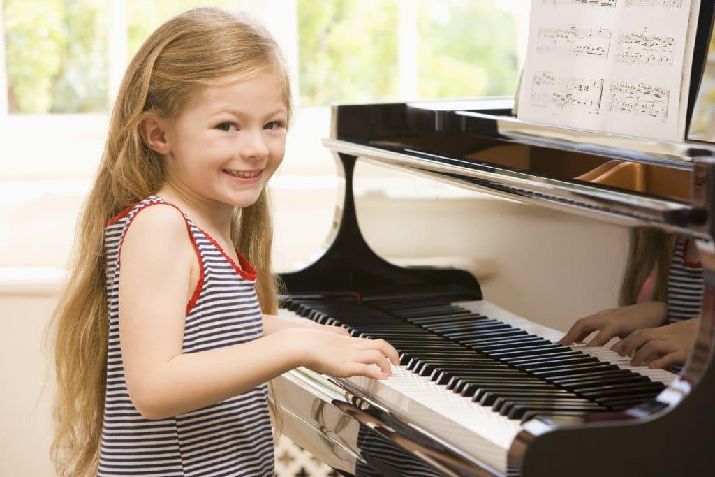Piano leren spelen 10 tips om je kind te helpen
