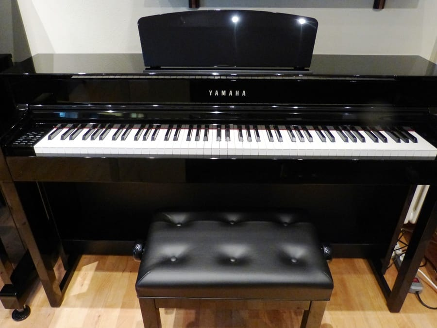 Yamaha CLP-545 review