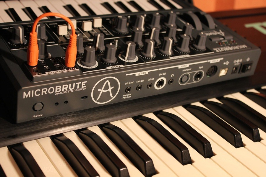 Arturia MicroBrute analoge synthesizer