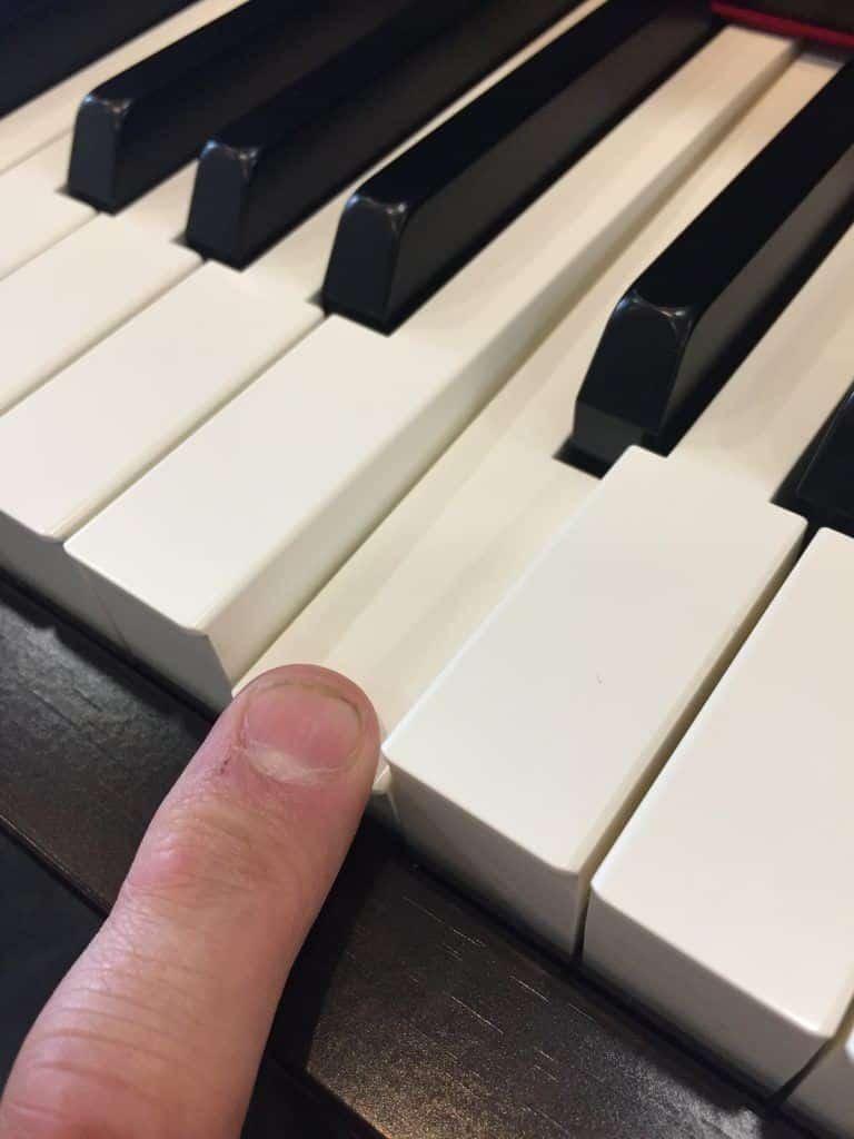 piano Yamaha CLP-635 toetsen