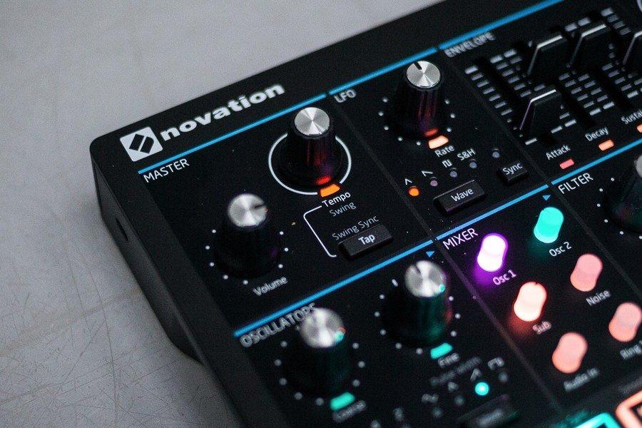 Goedkoopste Novation Circuit Mono Station Review
