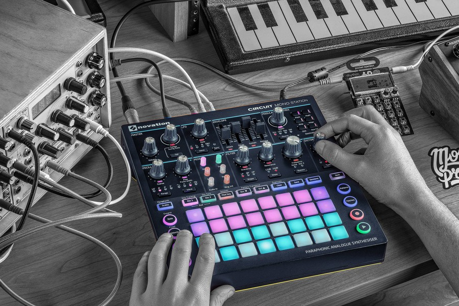 novation circuit mono station review synthesizer kopen