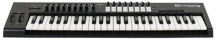 beste midi controller novation launchkey 49 mk2