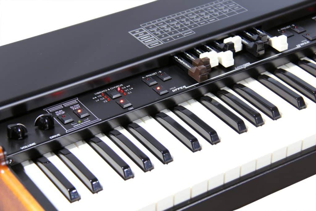 Crumar MOJO 61 drawbar keyboard review