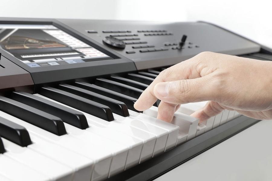 Korg Kronos 88 LS Review klavier