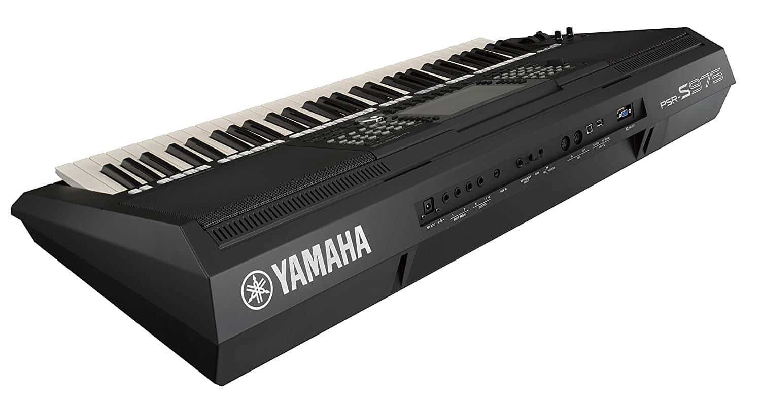Yamaha PSR-S975 review workstation keyboard