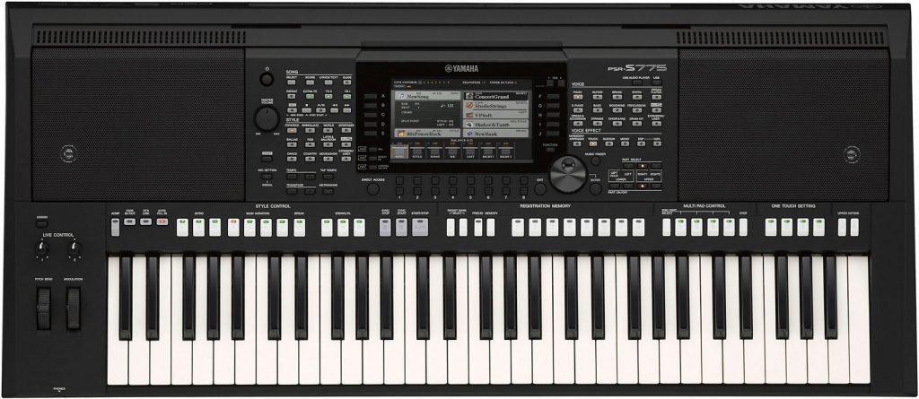 Yamaha PSR-S775 vergelijken met Korg PA700