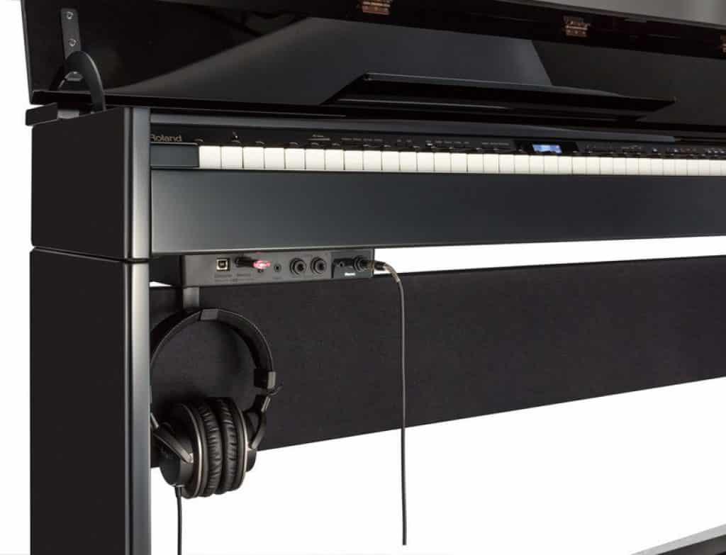 roland dp603 speakers connectiviteit functies digitale piano